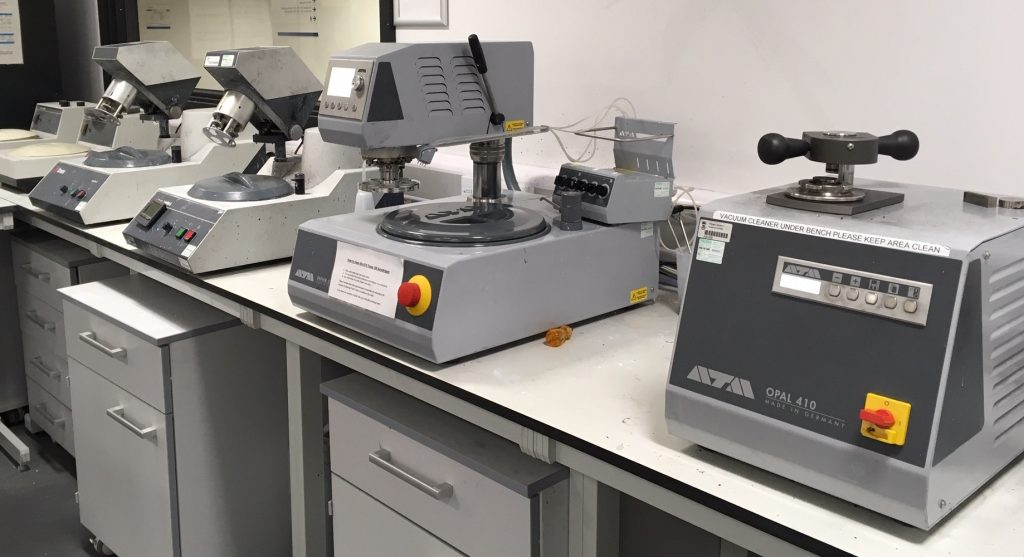Metallographic Preparation Equipment at SMaRT